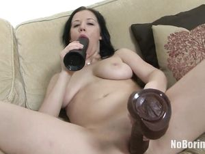 Toy Fucking Teen Lady Likes To Feel Stretched Out