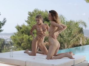Tight Ass Dancing Teen Babes Coat Their Bodies In Oil