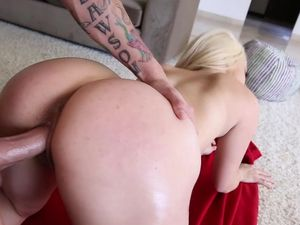 Fat Ass Yoga Babe Fucked By Her Hung Instructor