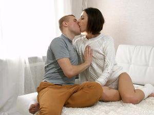 Cutie In Leg Warmers Moans Loud When He Fills Her Pussy