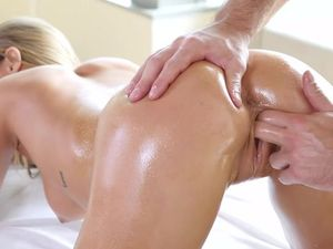 Finger Fucked Girl On His Massage Table Gets Laid