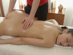 Curvy Hips Girl On His Massage Table Takes Cock