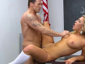 Bad Student Gets Good Grades By Fucking The Teacher