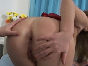 Red Butt Plug Loosens This Asshole For Anal Sex