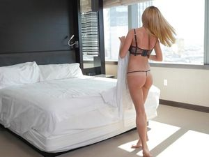 Hotel Hardcore With Beautiful Milf Subil Arch