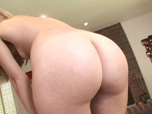 Sexy Ass Chick Sucks His Dick And Gets Fucked Hard