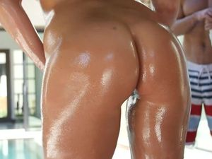 Seducing The Pool Guy Is Easy For This Hot Milf
